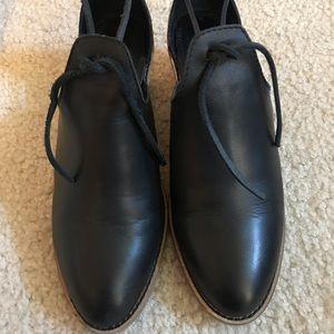 Kelsi Dagger black leather booties SZ 9
